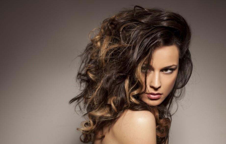 4 Soorten producten voor zichtbaar meer volume in je haar!