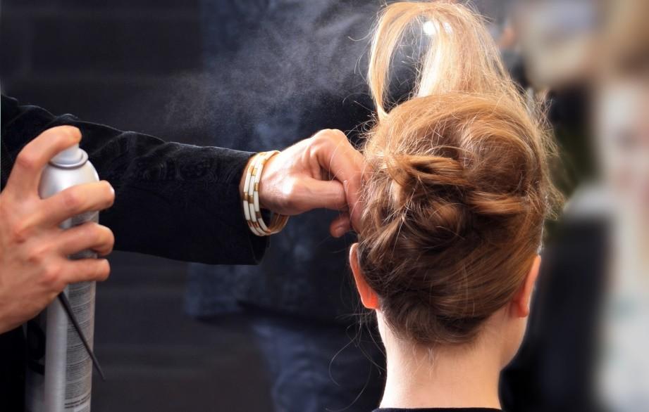 Het verschil tussen aerosol en non-aerosol haarlak
