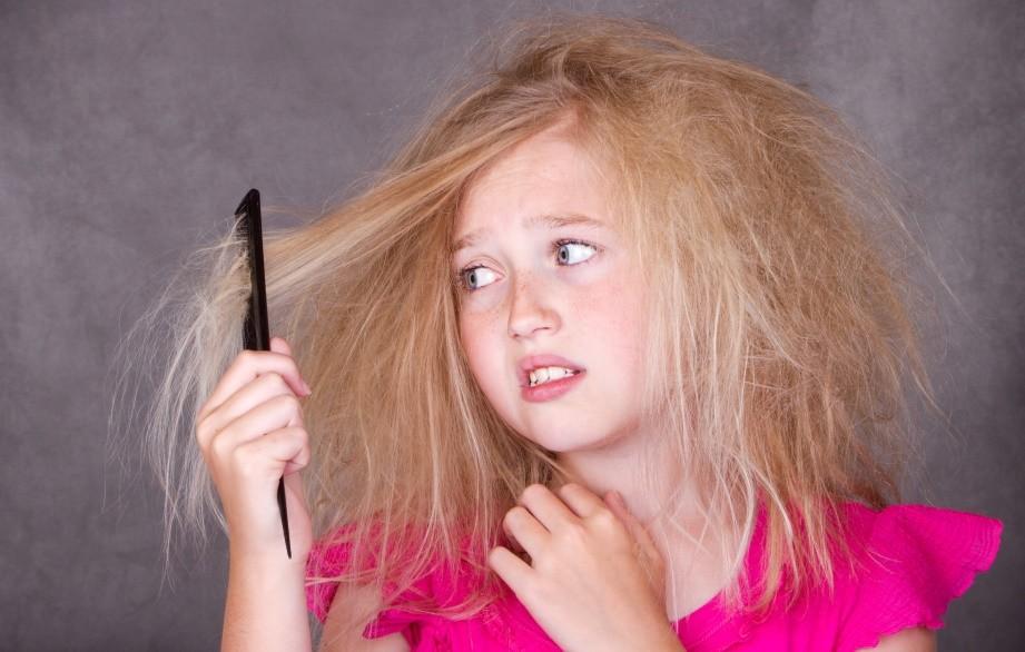 Wat te doen tegen pluizig haar? Lees hier 20 eenvoudige tips!