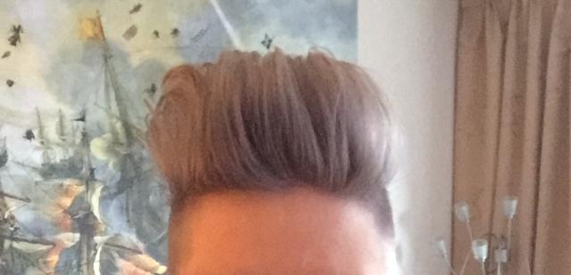 Cre er granny hair zelf je haar grijs verven in 4 stappen - Kleurenkaart grijze verf ...